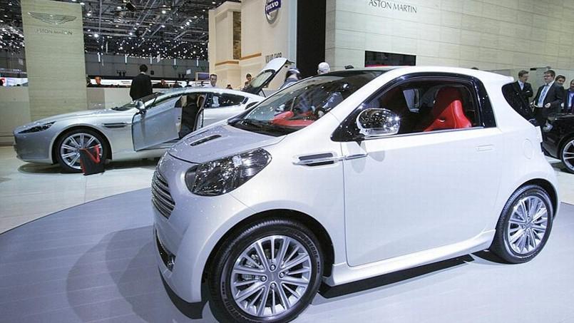 voiture citadine hybride votre site sp cialis dans les accessoires automobiles. Black Bedroom Furniture Sets. Home Design Ideas