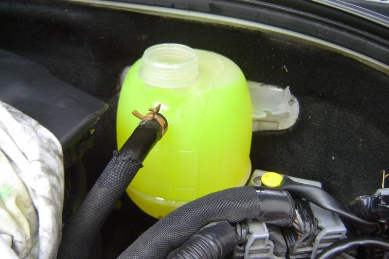 reservoir liquide de refroidissement clio 2 votre site sp cialis dans les accessoires automobiles. Black Bedroom Furniture Sets. Home Design Ideas
