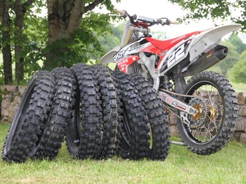 pneu moto cross 17 pouces votre site sp cialis dans les accessoires automobiles. Black Bedroom Furniture Sets. Home Design Ideas