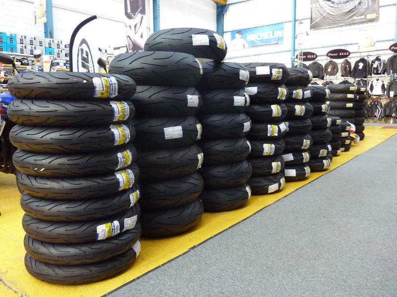solde pneu moto votre site sp cialis dans les. Black Bedroom Furniture Sets. Home Design Ideas