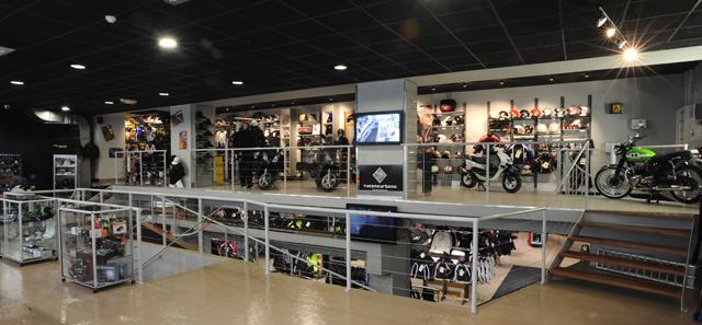 boutique equipement moto votre site sp cialis dans les accessoires automobiles. Black Bedroom Furniture Sets. Home Design Ideas