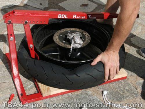 prix changement pneu scooter votre site sp cialis dans les accessoires automobiles. Black Bedroom Furniture Sets. Home Design Ideas